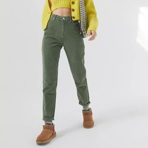 UO BDG GREEN CORDUROY HIGH-RISE MOM JEANS